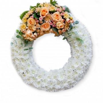 Poza Coroana funerara din trandafiri si crizanteme portocalii