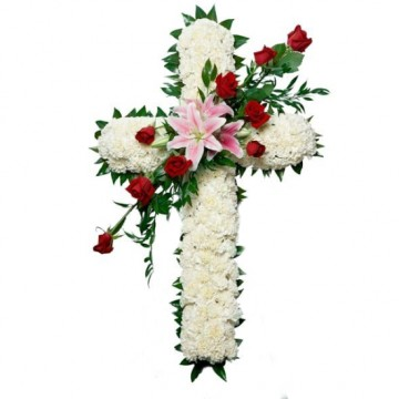 Poza Cruce funerara din crizanteme albe, crini si trandafiri rosii