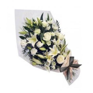 Poza Buchet funerar din crini imperiali, crizanteme si trandafiri albi